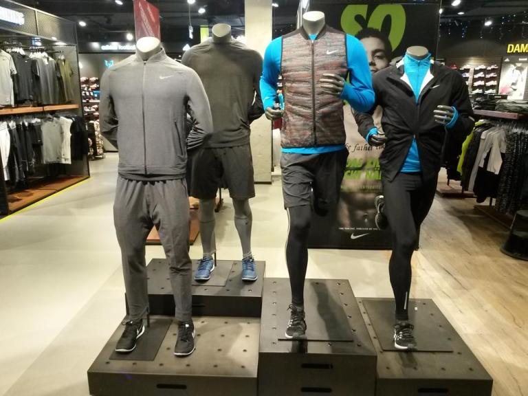nike-germany-visual-merchandising-alexs-varjao-fashion-stylist